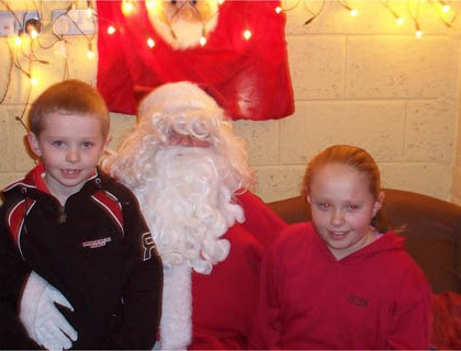 Santa Pays a visit to the Glen Theatre